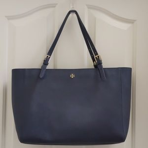 Tory Burch Large Emerson Buckle Tote in Navy